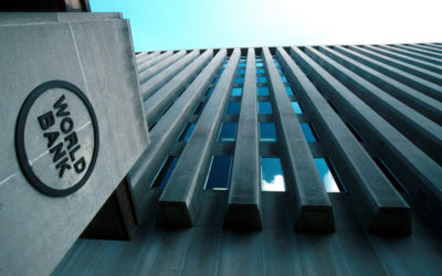 مُدير في البنك الدولي يهدّد بوقف اللقاحات للبنان!