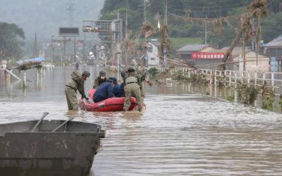 فيضانات اليابان اودت ب50 شخصا وعناصر الإنقاذ يسابقون الزمن