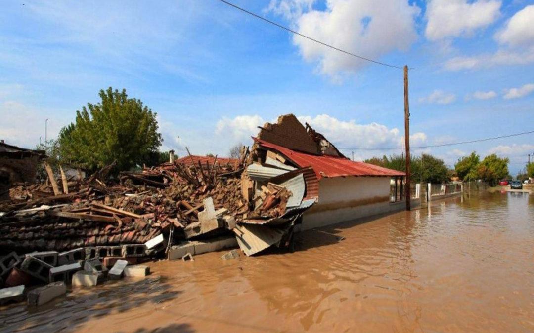 مقتل شخصين جراء إعصار نادر يجتاح اليونان