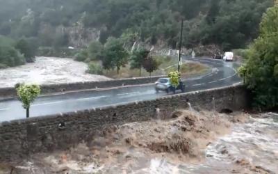 سيول جامحة تجتاح جنوب فرنسا والسلطات تعلن مستوى الخطر الأعلى