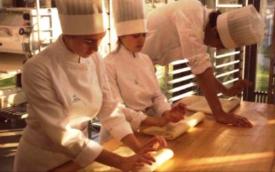 فرض العزل على 2500 طالب في أهم معهد فندقي في لوزان