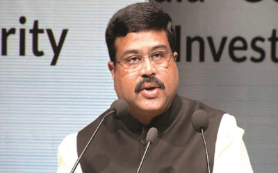وزير النفط الهندي: نتطلع لاستئناف شراء النفط من إيران وفنزويلا في عهد بايدن
