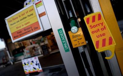 الحكومة البريطانية تستعين بالجيش مع تفاقم أزمة الوقود
